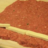 rulada carne porc vita_Bacon Bomb Burger_2015-05-17 (6)