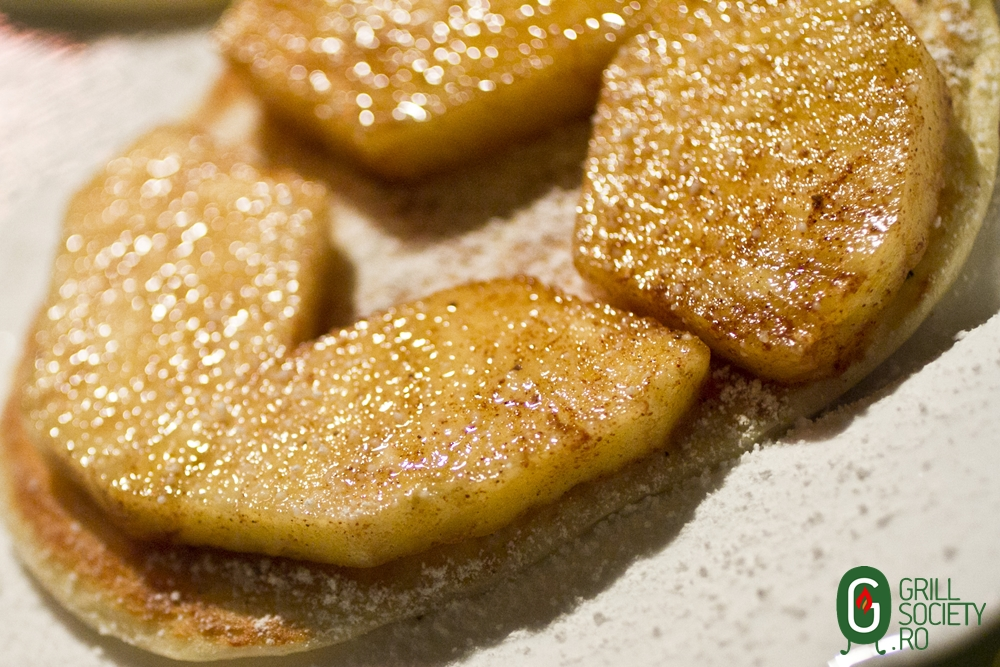 reteta pancakes ananas la gratar Weber_Grill Society CampingGrill (3)